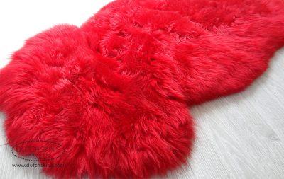 gekleurde schapenvachten rood