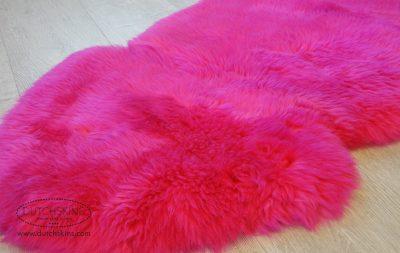 gekleurde schapenvachten pink