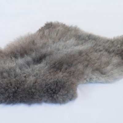 Gotland Pelssau langharige grijze schapenvacht