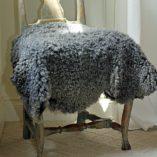 unieke grijze schapenvachten