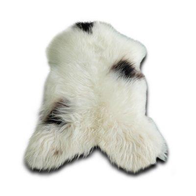 IJslandse schapenvacht gevlekt wit zwart
