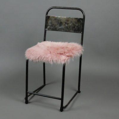 Stoelkussen roze schapenvacht