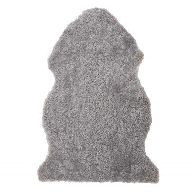 Geschoren licht grijze schapenvacht